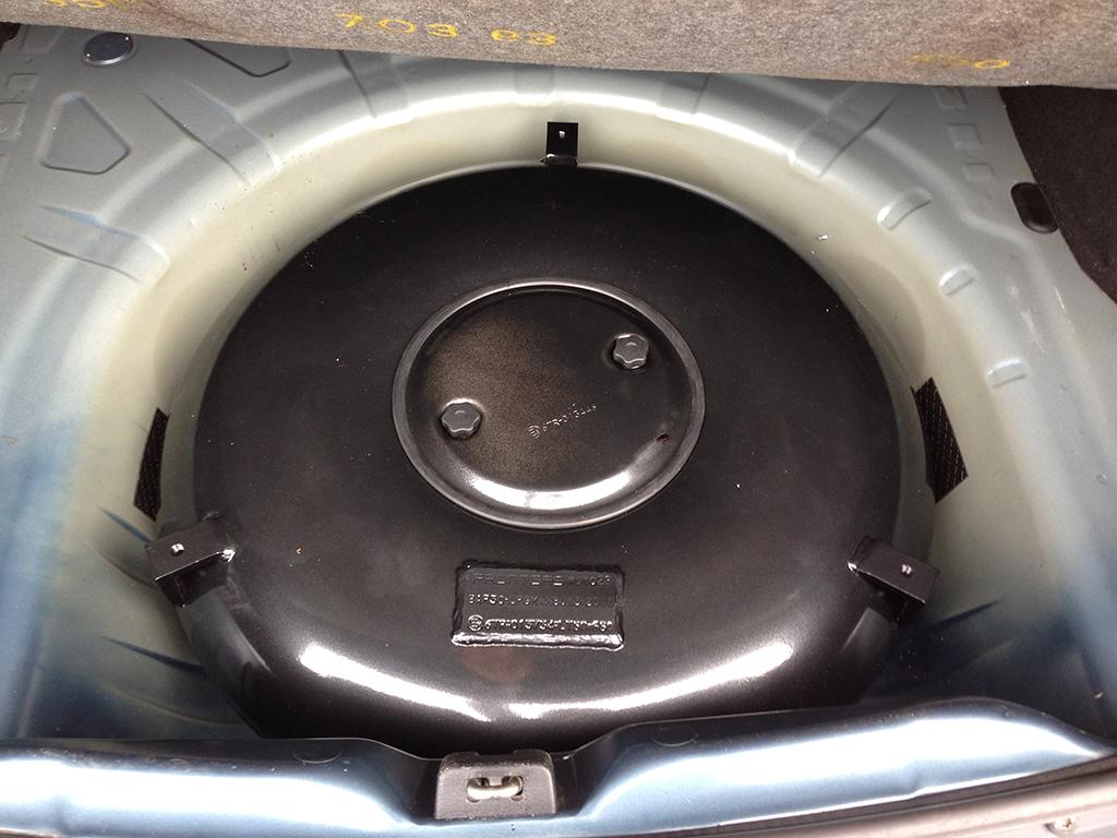 Autogas-Umruestung-LPG-Frontgas-DaciaLogan1-Tank