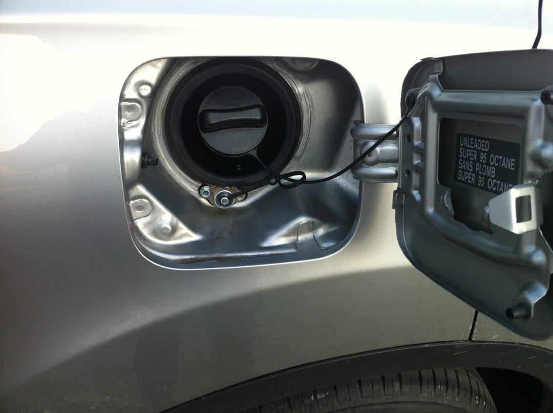 Autogas-Umruestung-LPG-Frontgas-Nissan-Quashqai-Tankstutzen