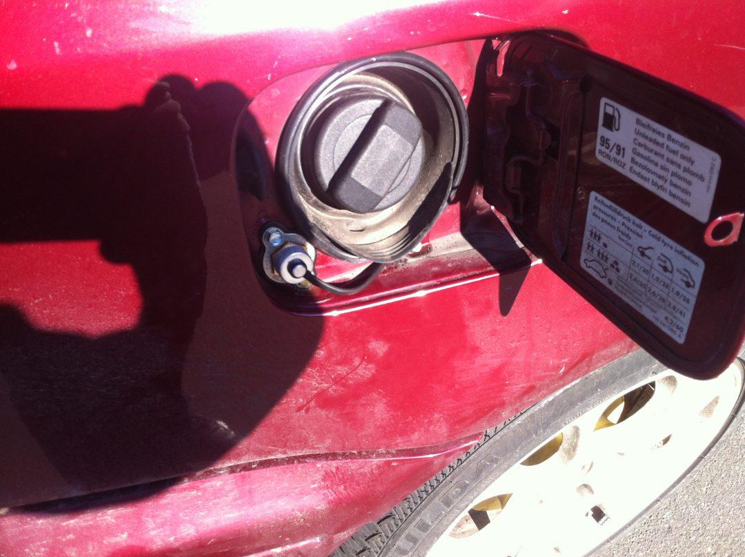 Autogas-Umruestung-LPG-Frontgas-VW-Golf3-1,8-Tankstutzen