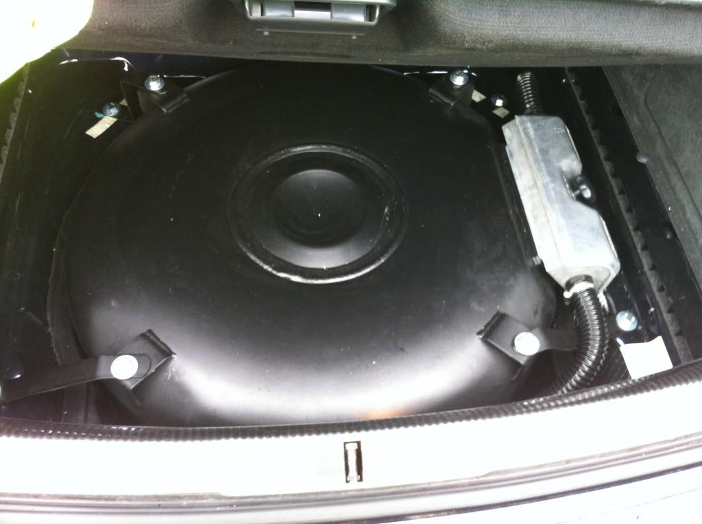 Autogas-Umruestung-LPG-Frontgas-VW-Phaeton-32-Tank-1024x765