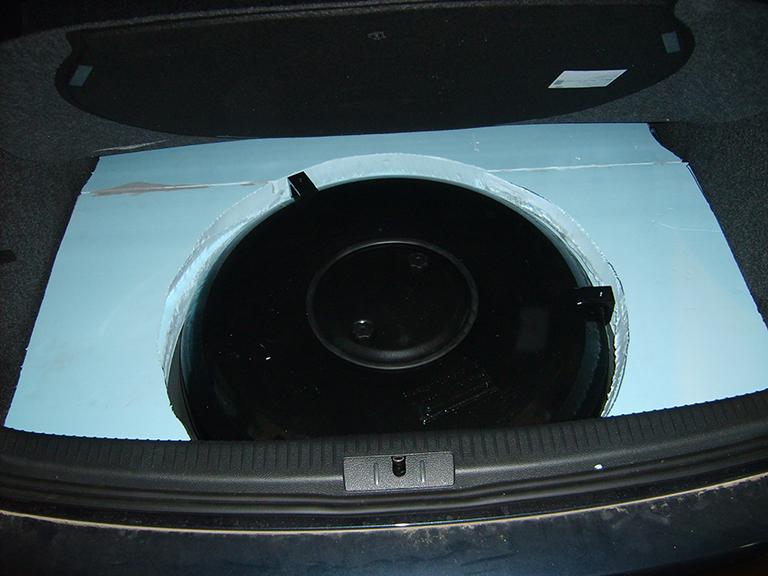 Autogas-Umruestung-LPG-Frontgas-VWGolf5-16-Tank