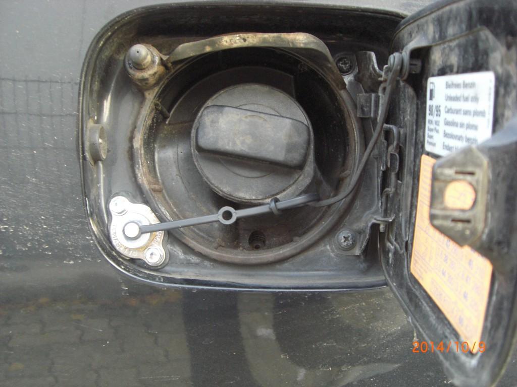 Autogas-Umruestung-LPG-Frontgas-Audi-A6-4B-30-Tankstutzen-1024x768