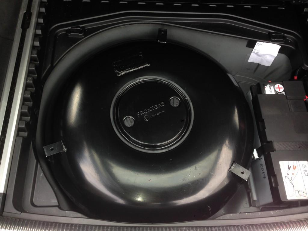 Autogas-Umruestung-LPG-Frontgas-Audi-A6-4F-42-Tank-1024x768