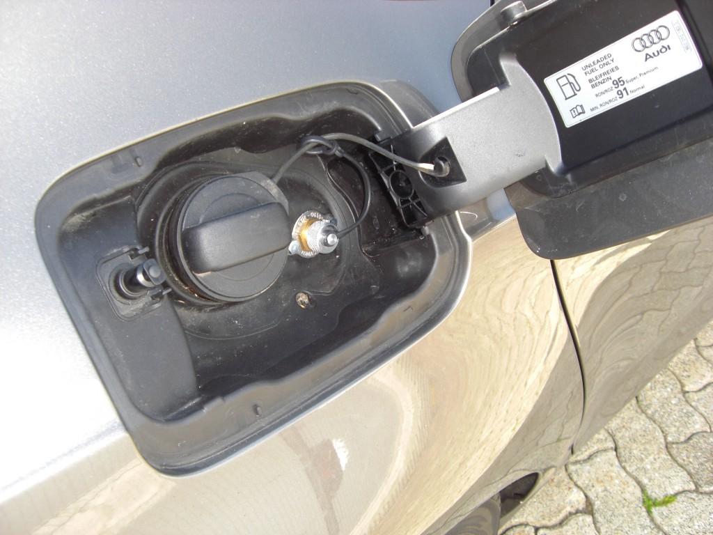 Autogas-Umruestung-LPG-Frontgas-Audi-A7-30-TSFI-Tankstutzen-1024x768