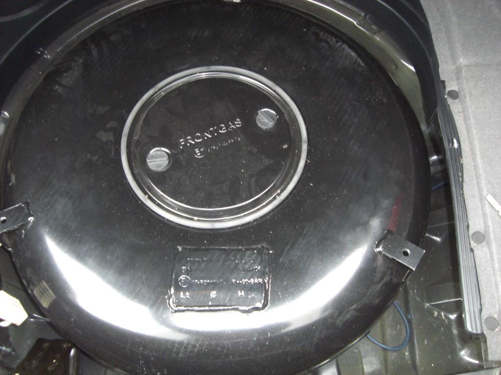 Autogas-Umruestung-LPG-Frontgas-BMW-520-E39-Tank-1024x768