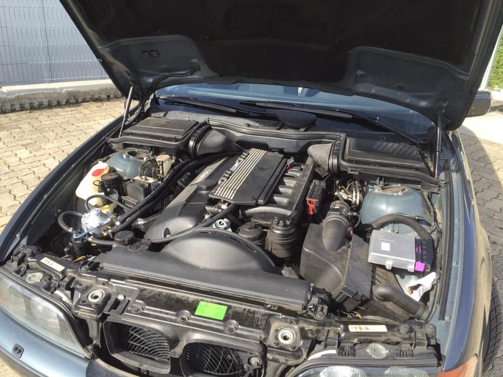 Autogas-Umruestung-LPG-Frontgas-BMW-523-E39-System-1024x768