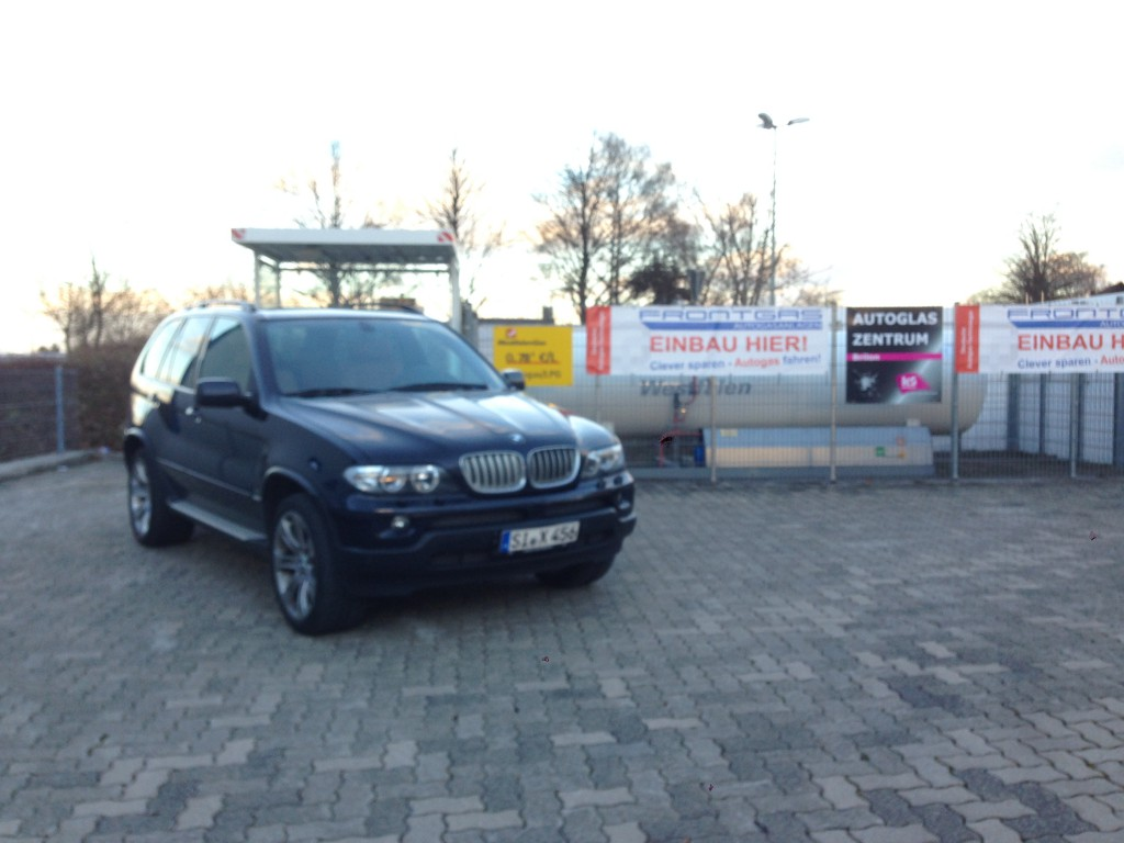 Autogas-Umruestung-LPG-Frontgas-BMW-X5-44-Hauptbild-1024x768