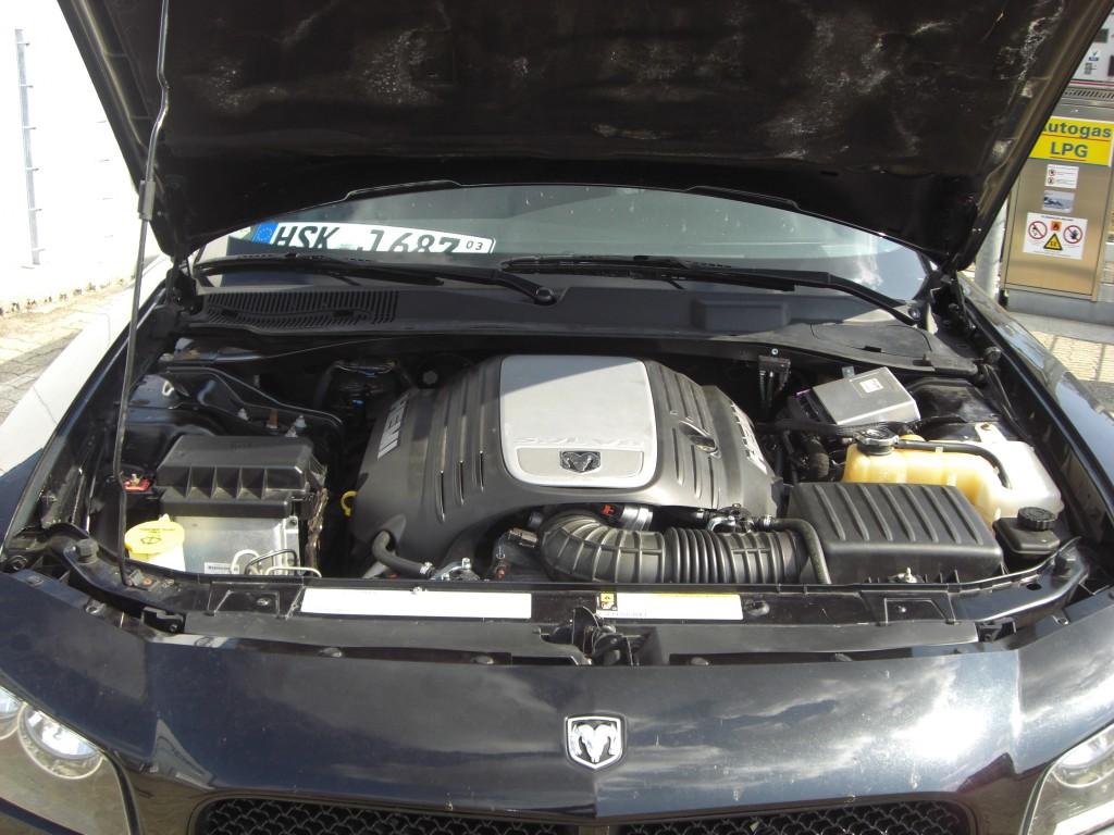 Autogas-Umruestung-LPG-Frontgas-Dodge-Charger-System-1024x768
