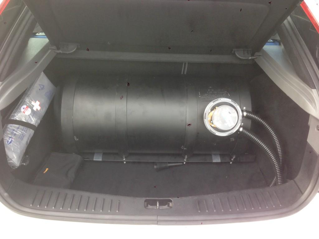 Autogas-Umruestung-LPG-Frontgas-Ford-Focus-ST-2.5-Tank-1024x768