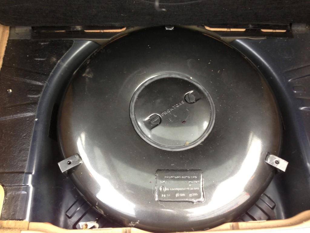 Autogas-Umruestung-LPG-Frontgas-Opel-Signum-Tank-1024x768