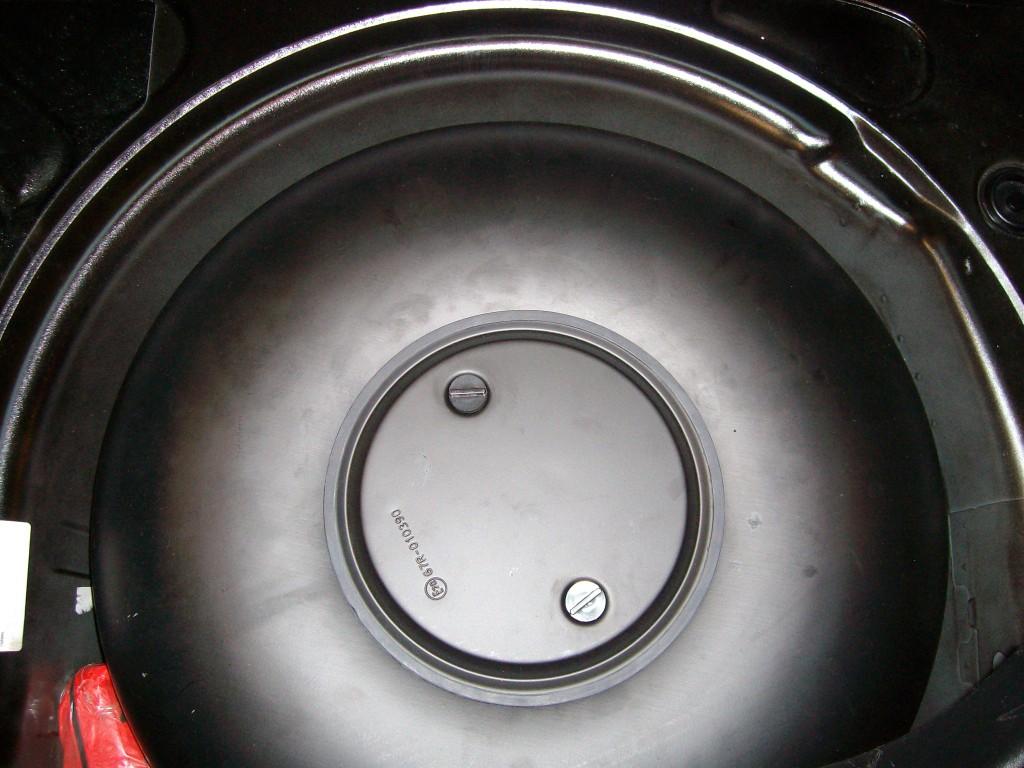 Autogas-Umruestung-LPG-Frontgas-VW-Beetle-18-Tank-1024x768