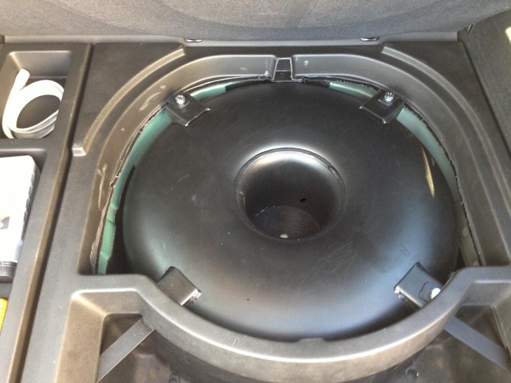 Autogas-Umruestung-LPG-Frontgas-VW-Bora-Variant-Tank-1024x768