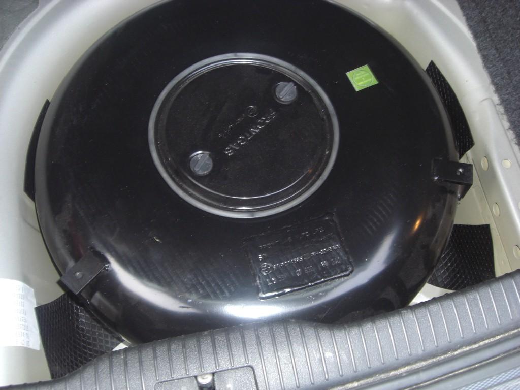 Autogas-Umruestung-LPG-Frontgas-VW-Golf-4-2.0-Tank-1024x768