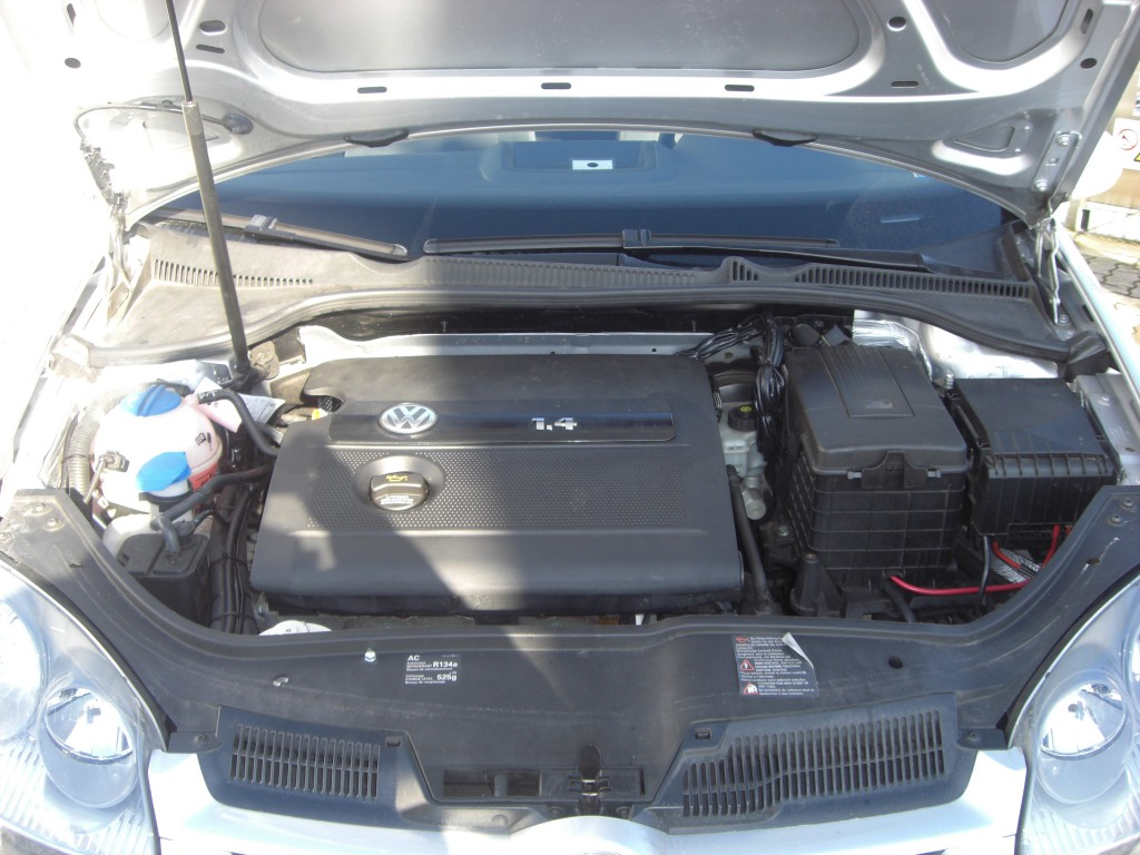 Autogas-Umruestung-LPG-Frontgas-VW-Golf-5-14-System-1024x768