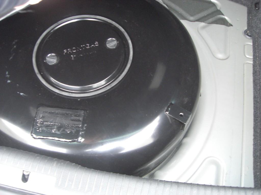 Autogas-Umruestung-LPG-Frontgas-VW-Golf-6-1.8-TSI-Tank-1024x768