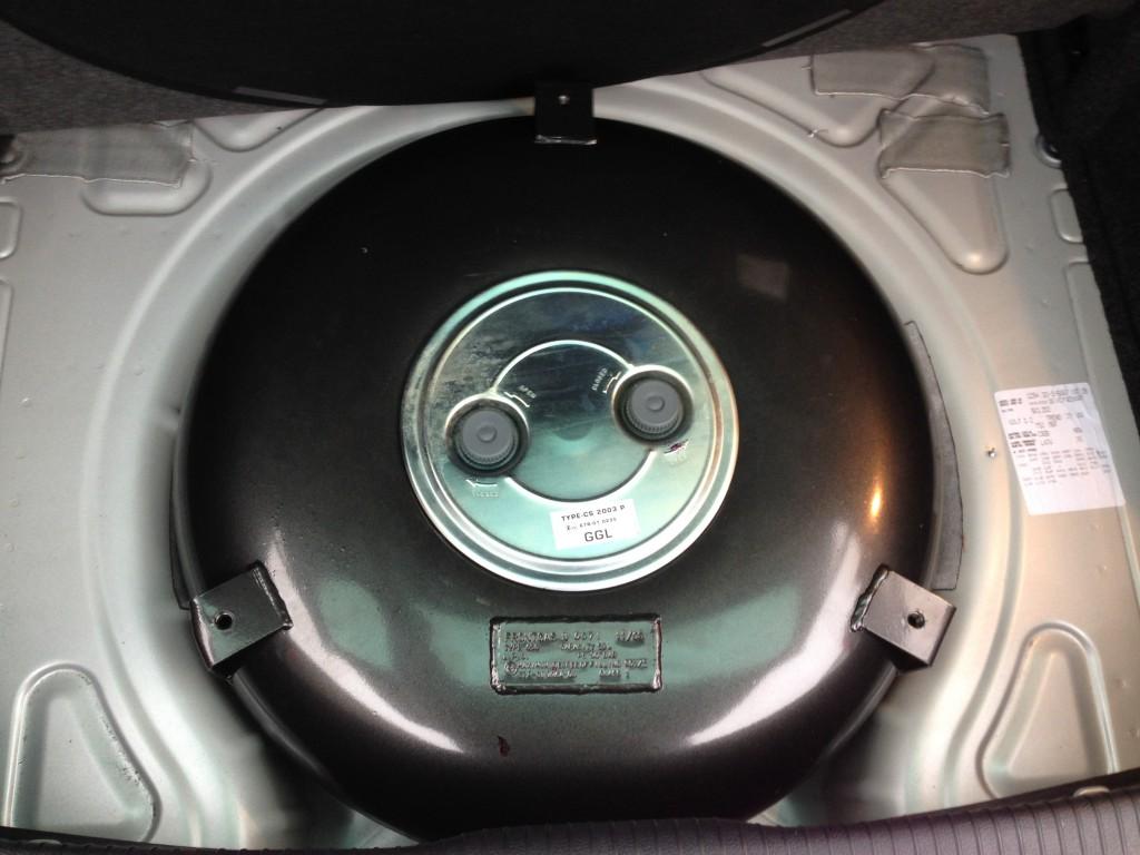 Autogas-Umruestung-LPG-Frontgas-VW-Golf-6-12-TSI-Tank-1024x768