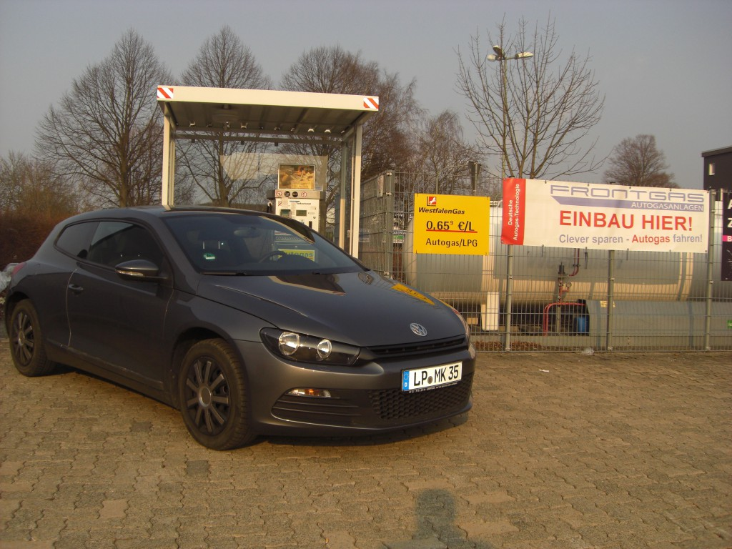 Autogas-Umruestung-LPG-Frontgas-VW-Scirocco-2.0TSI-Hauptbild-1024x768