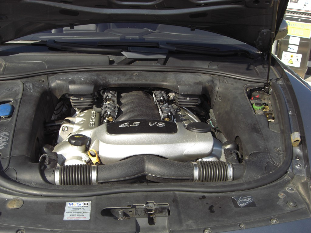 Autogas-Umruestung-LPG.Frontgas-Porsche-Cayenne-System-1024x768