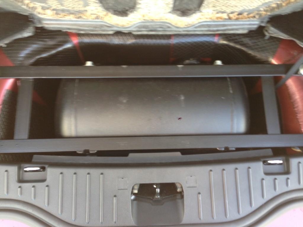 Autogas_Umrüstung-LPG_Ford_S-Max_Ecoboost-Gastank