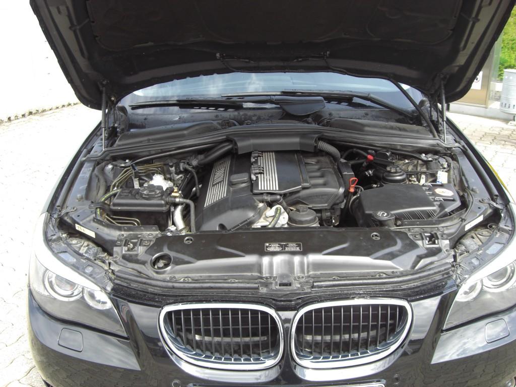 Autogas_Umrüstung-auf-LPG_BMW_520_E60-Motorraum