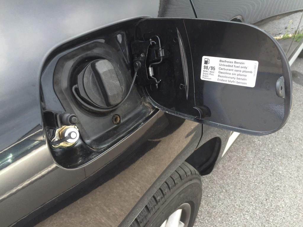 Autogas_Umrüstung-auf-LPG_Porsche-Cayenne_Turbo-Tankstutzen