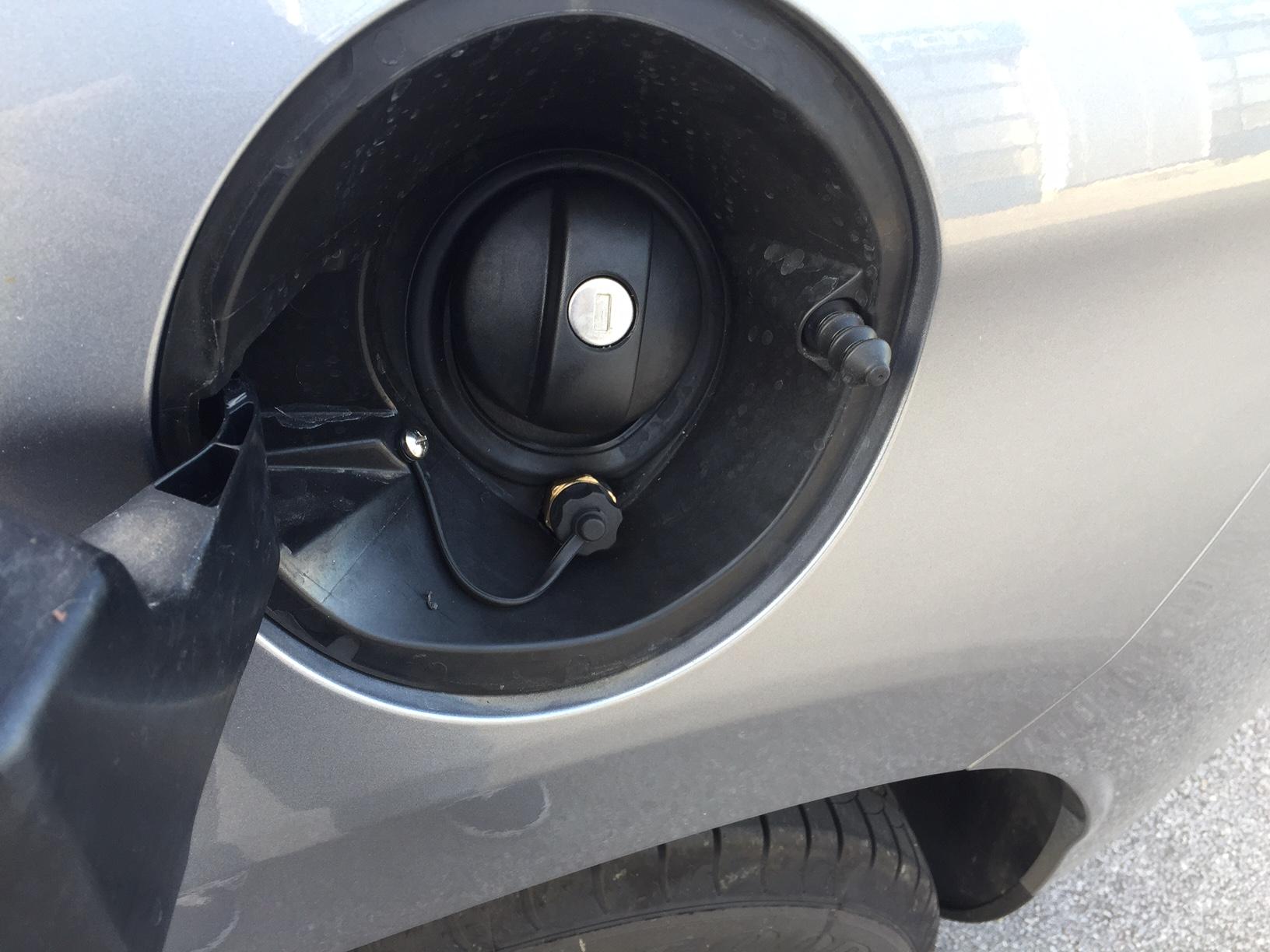 Autogas-Umrüstung-LPG-Frontgas-Peugeot-2008-1
