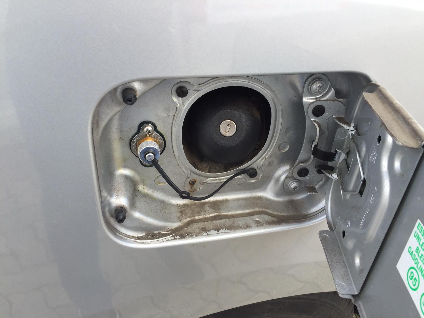 autogas_umruesstung-auf-lpg-autogas-dacia-lodgy-tankstuzen