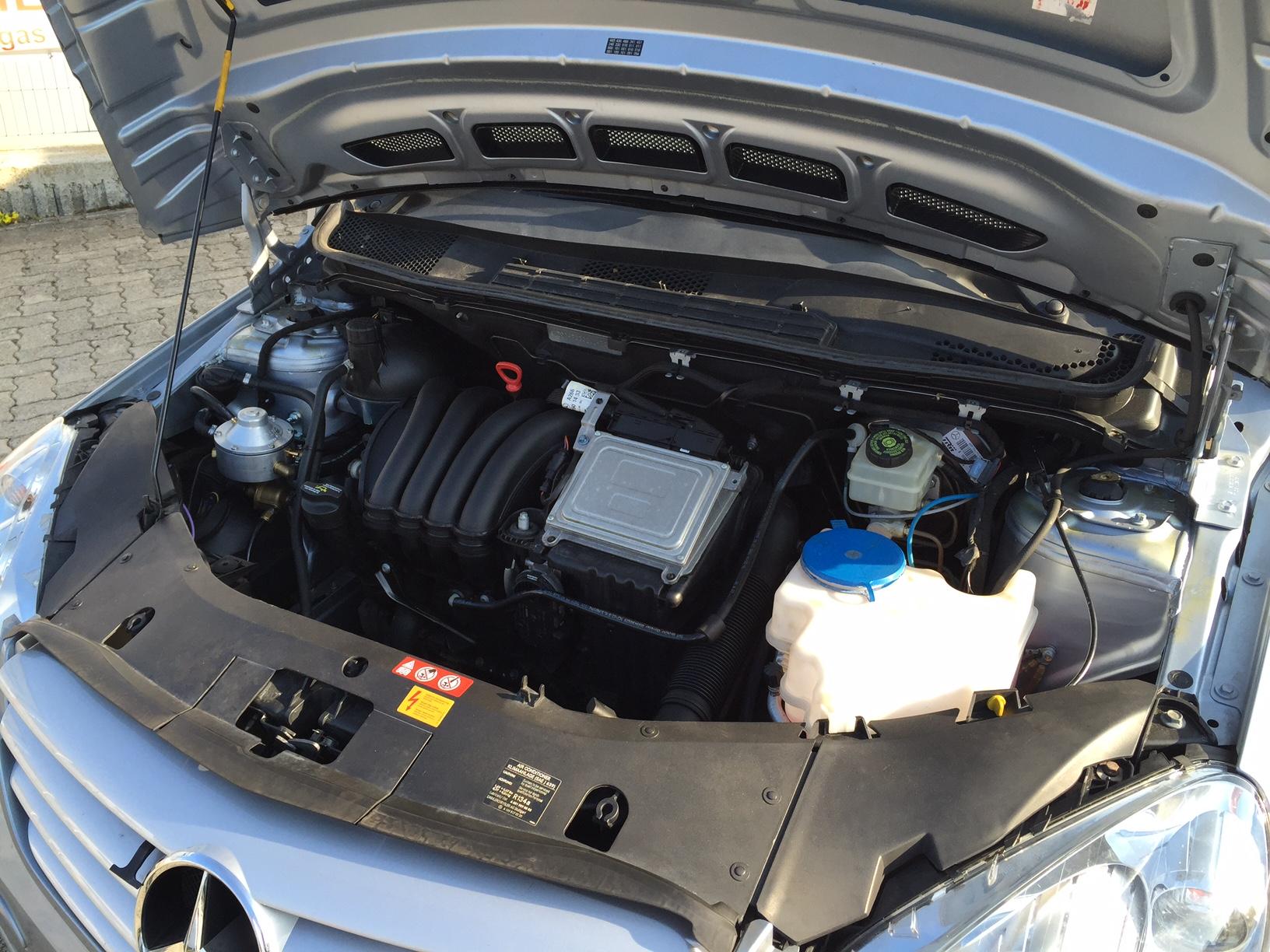 autogas_umruesstung-auf-lpg-autogas-mercedes-b170-motor