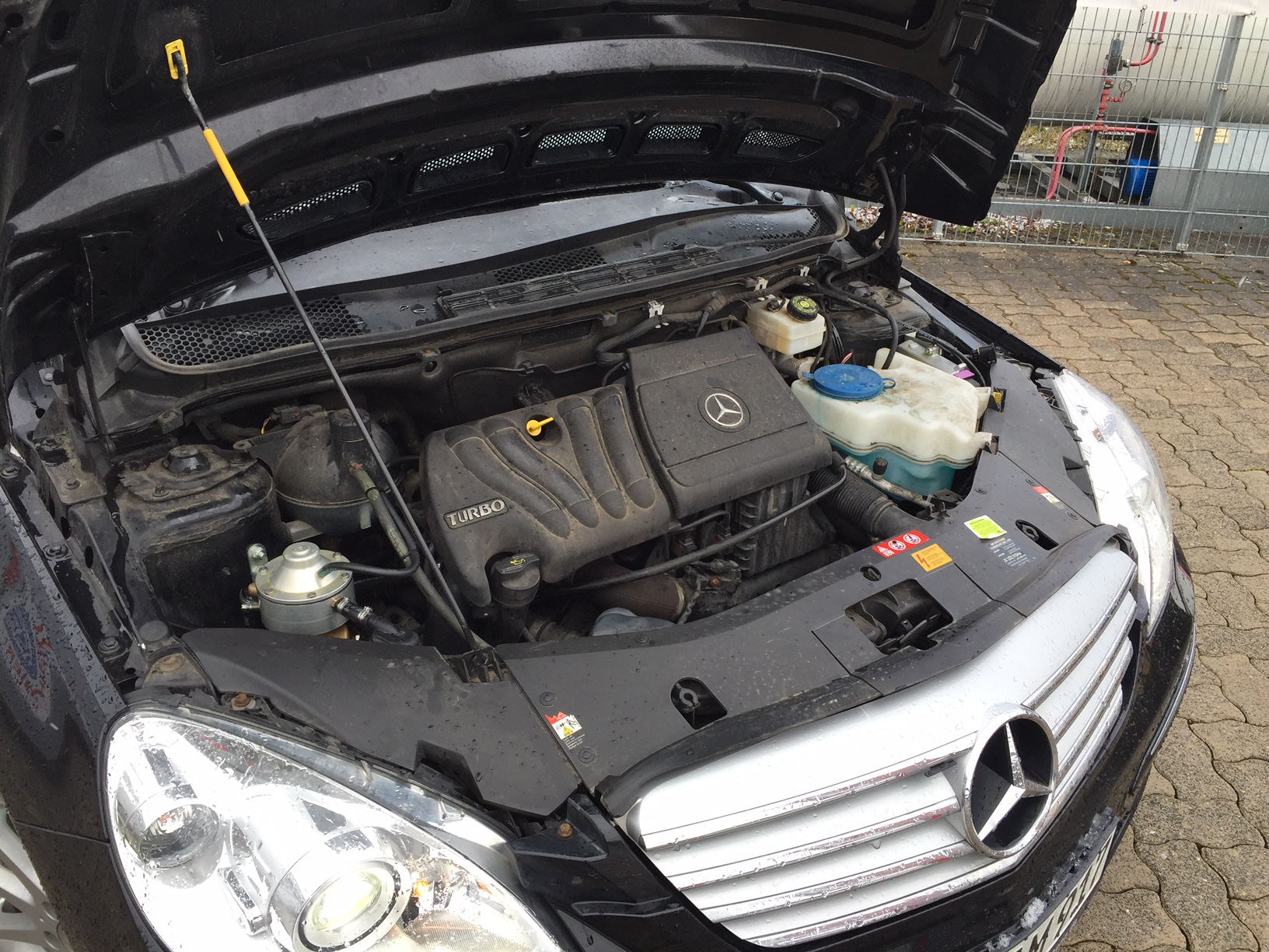 autogas_umruesstung-auf-lpg-autogas-mercedes-b200-turbo-motor