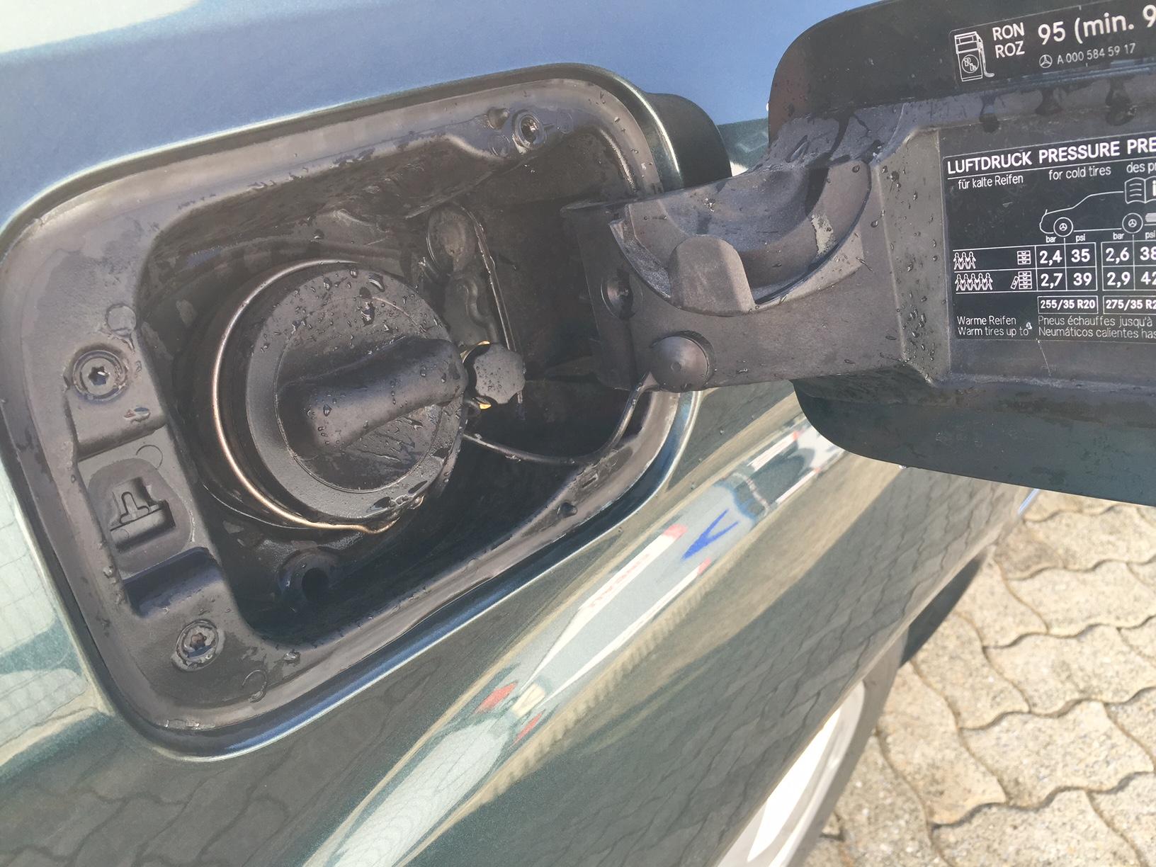 autogas_umruesstung-auf-lpg-autogas-mercedes-s350-tankstutzen