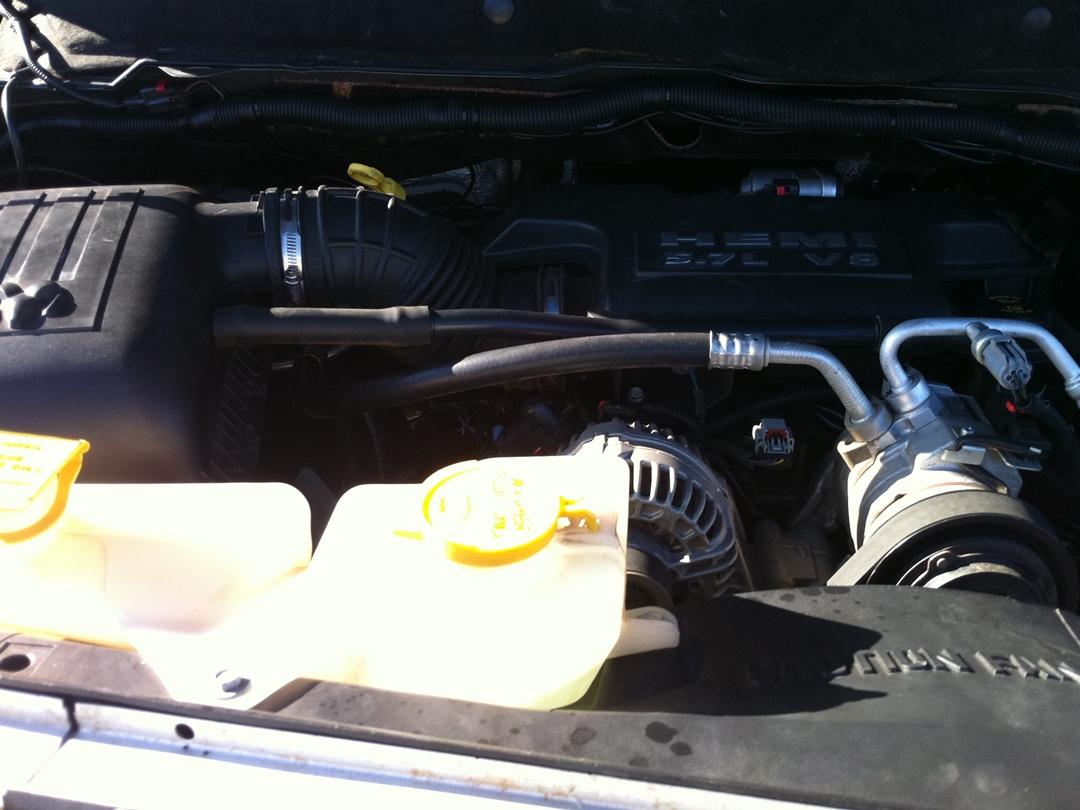 autogas_umruesstung-auf-lpg-autogas_dodge_ram_57-motor2