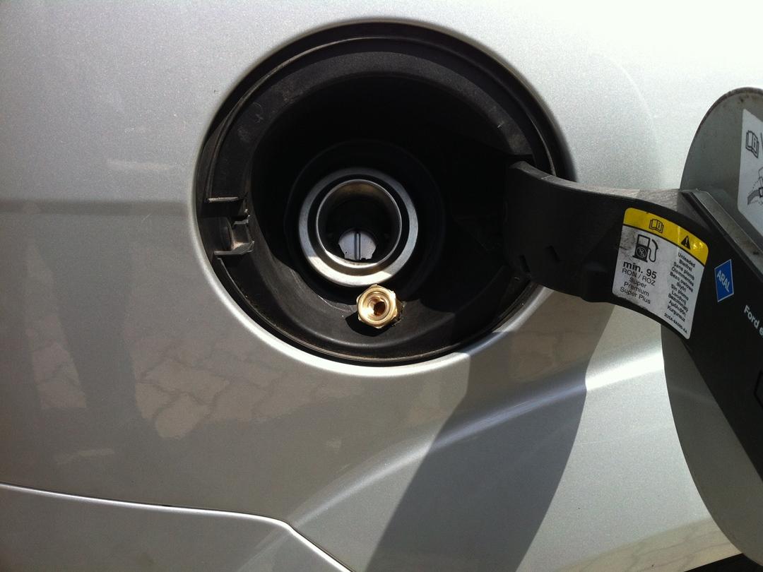 autogas_umruesstung-auf-lpg-autogas_ford_focus_16-tankschild