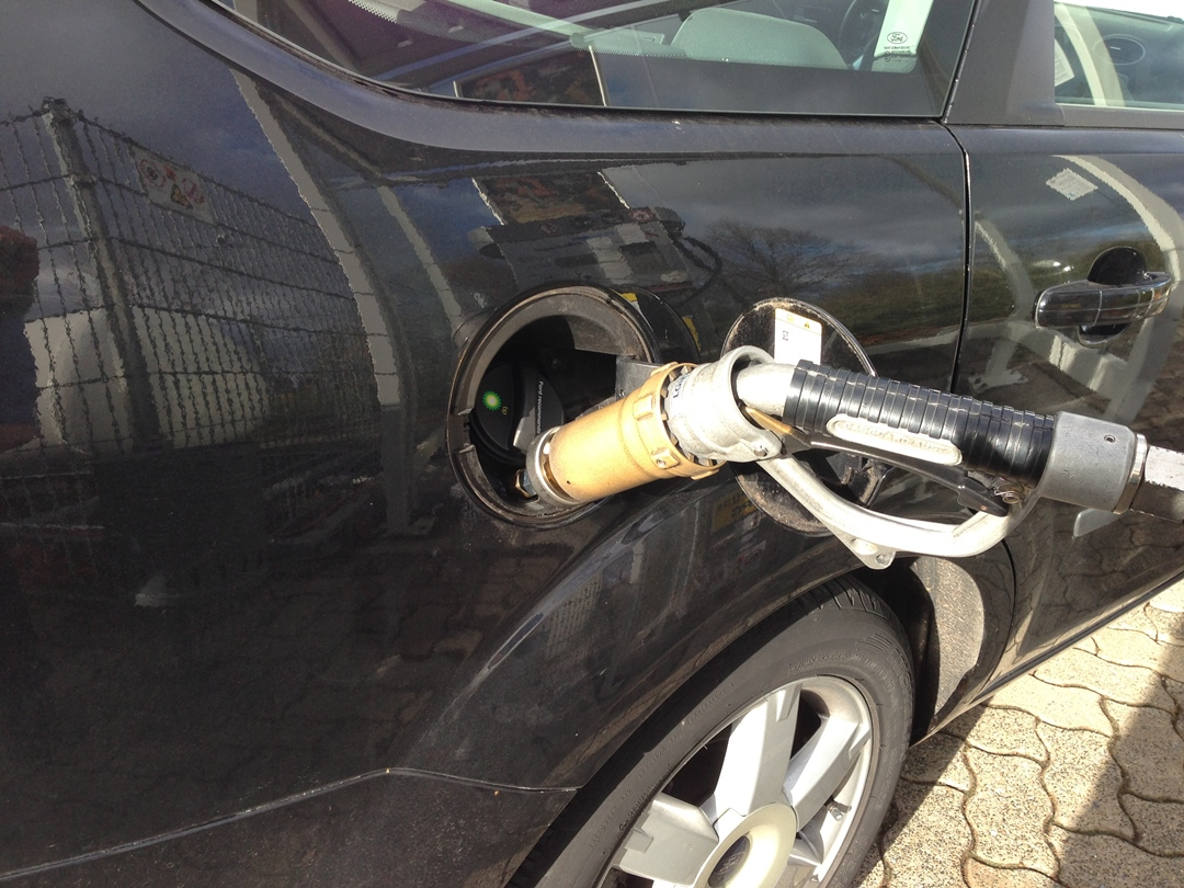 autogas_umruesstung-auf-lpg-autogas_ford_focus_16-tankstutzen