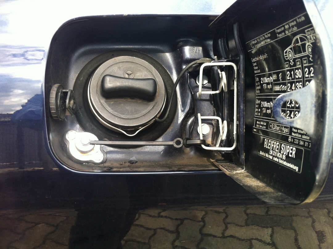 autogas_umruesstung-auf-lpg-autogas_mercedes_s500-tankklappe