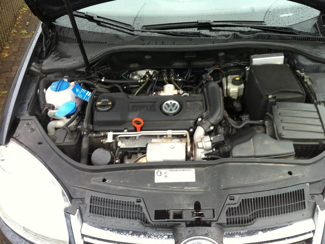 autogas_umruesstung-auf-lpg-autogas_vw_golf_14-tsi-direkteinspritzer-kombi-motor
