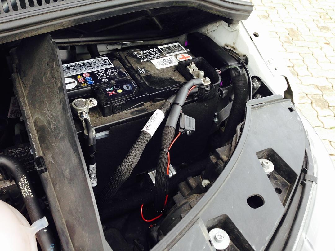 autogas_umruesstung-auf-lpg-autogas_vw_t5_20-direkteinspritzer-batterie