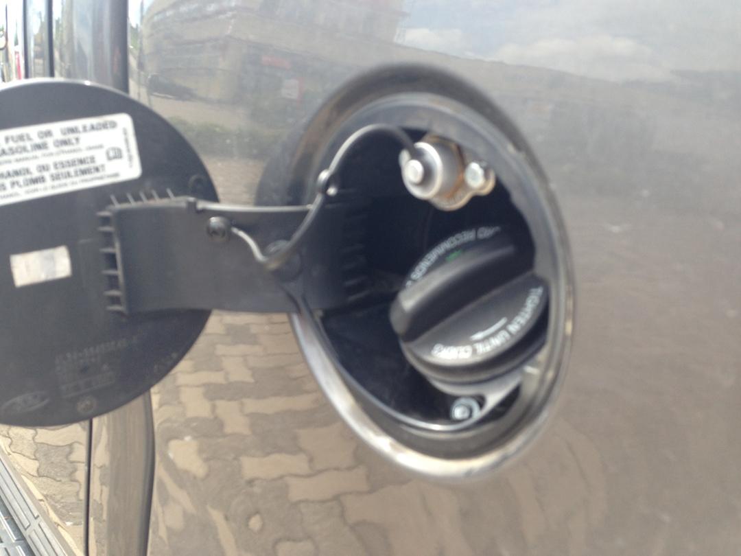 autogas_umruesstung-auf-lpg-ford_f150-59-pickup-tankklappe