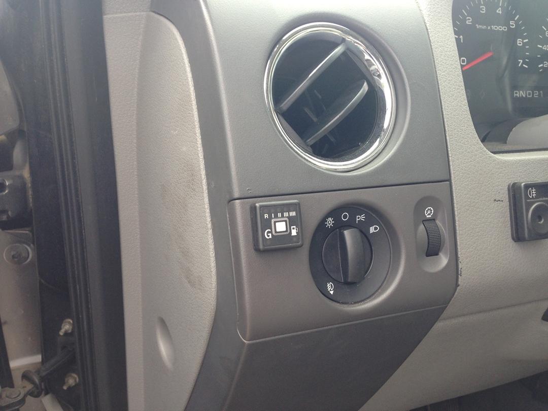 autogas_umruesstung-auf-lpg-ford_f150-59-pickup-tankuhr