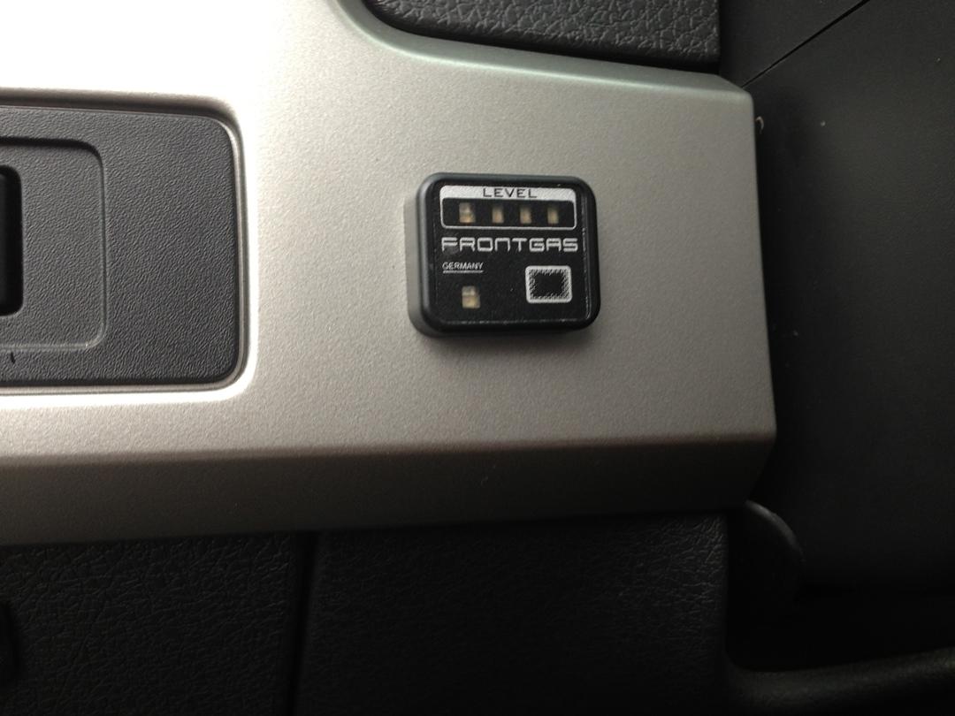 autogas_umruesstung-auf-lpg-ford_f150-v8-tankuhr