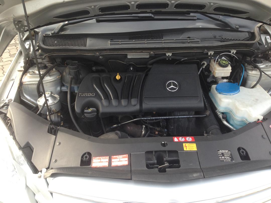 autogas_umruesstung-auf-lpg-mercedes_b200-motor