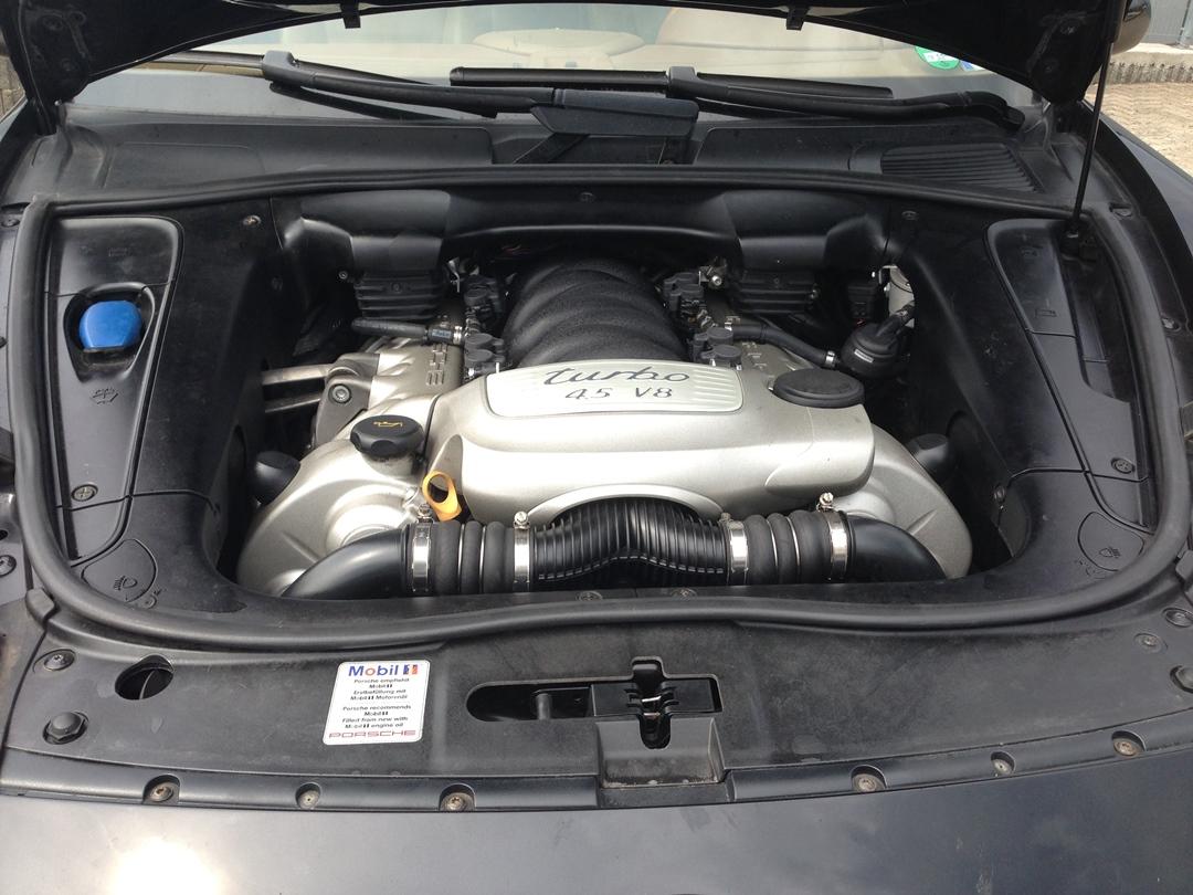 autogas_umruesstung-auf-lpg-porsche_cayenne_turbo-motor