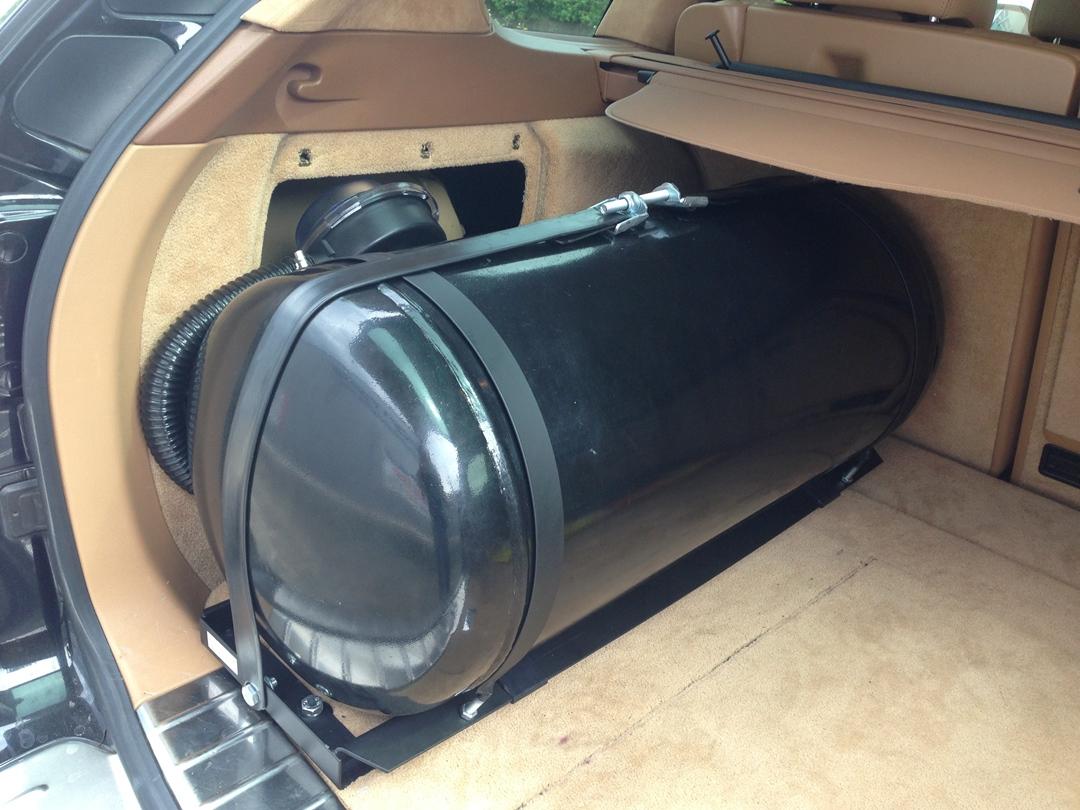 autogas_umruesstung-auf-lpg-porsche_cayenne_turbo-tank