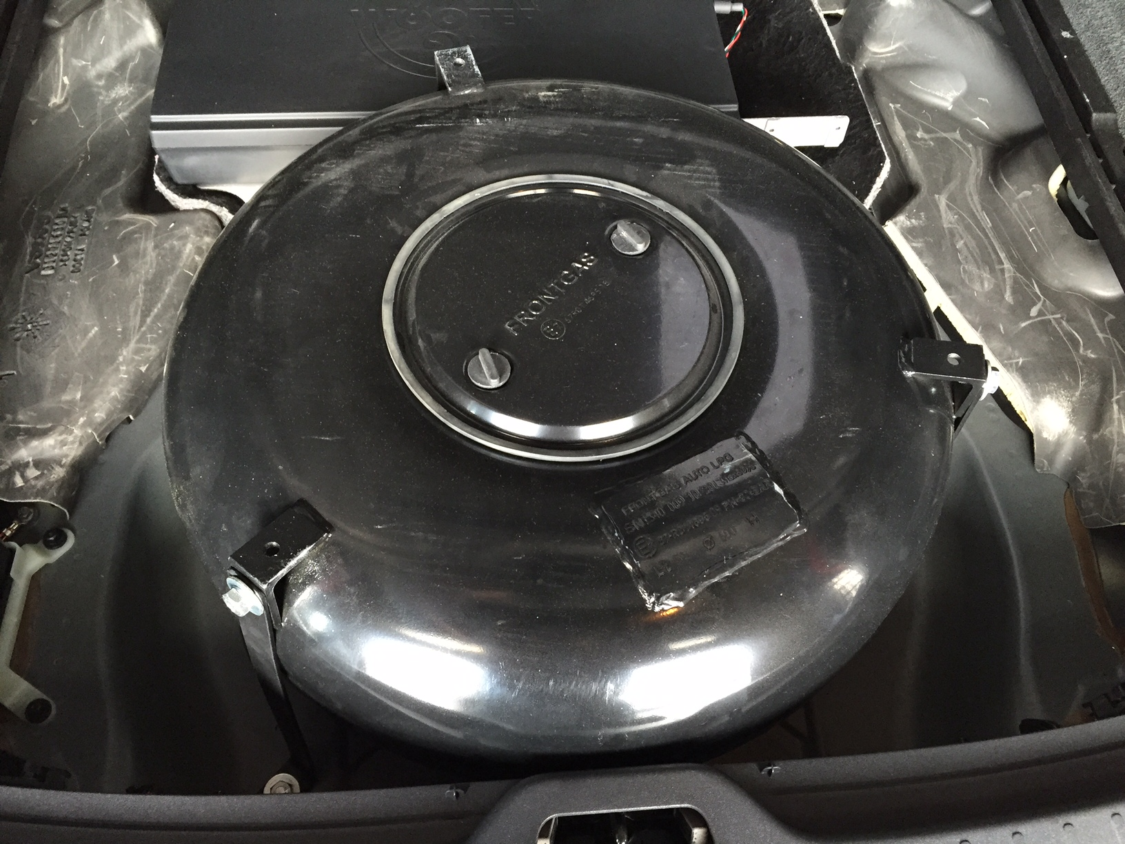 autogas_umruesstung-auf-lpg-autogas-volvo-xc60-tank