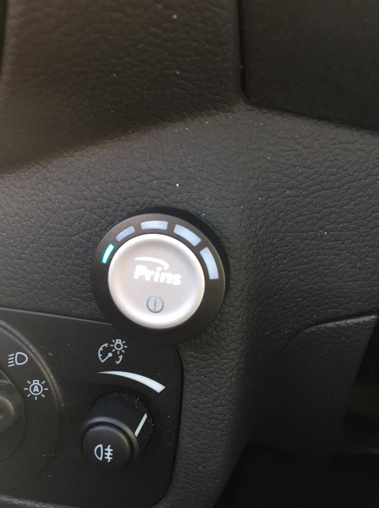 Autogas-R115-Umrüstung-auf-LPG-Autogas_Ford-Kuga-1,5Ecoboost-Direkteinspritzer-Prins-DLM-Tankuhr