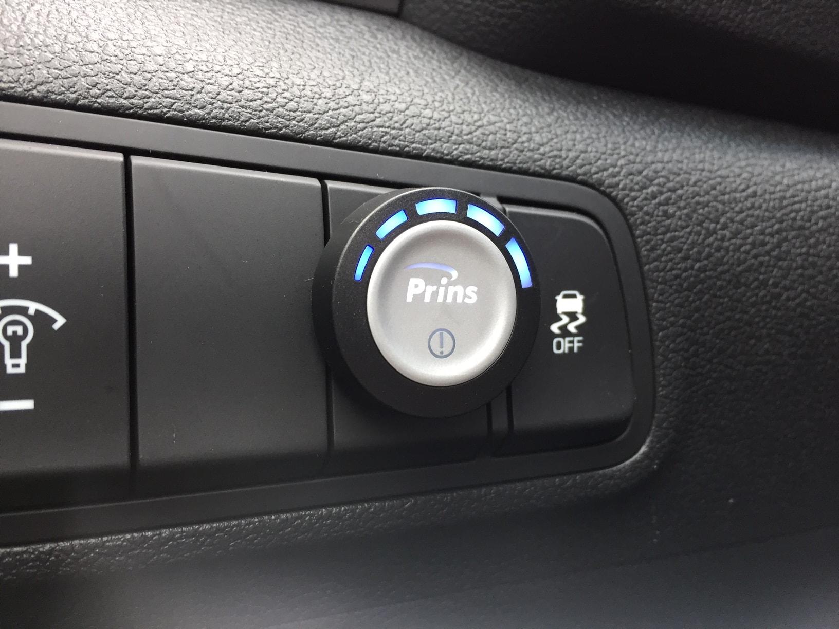 Autogas-R115-Umrüstung-auf-LPG-Autogas_Hyundai-Tucson-1,6GDI-Direkteinspritzer-Prins-DLM-Tankuhr