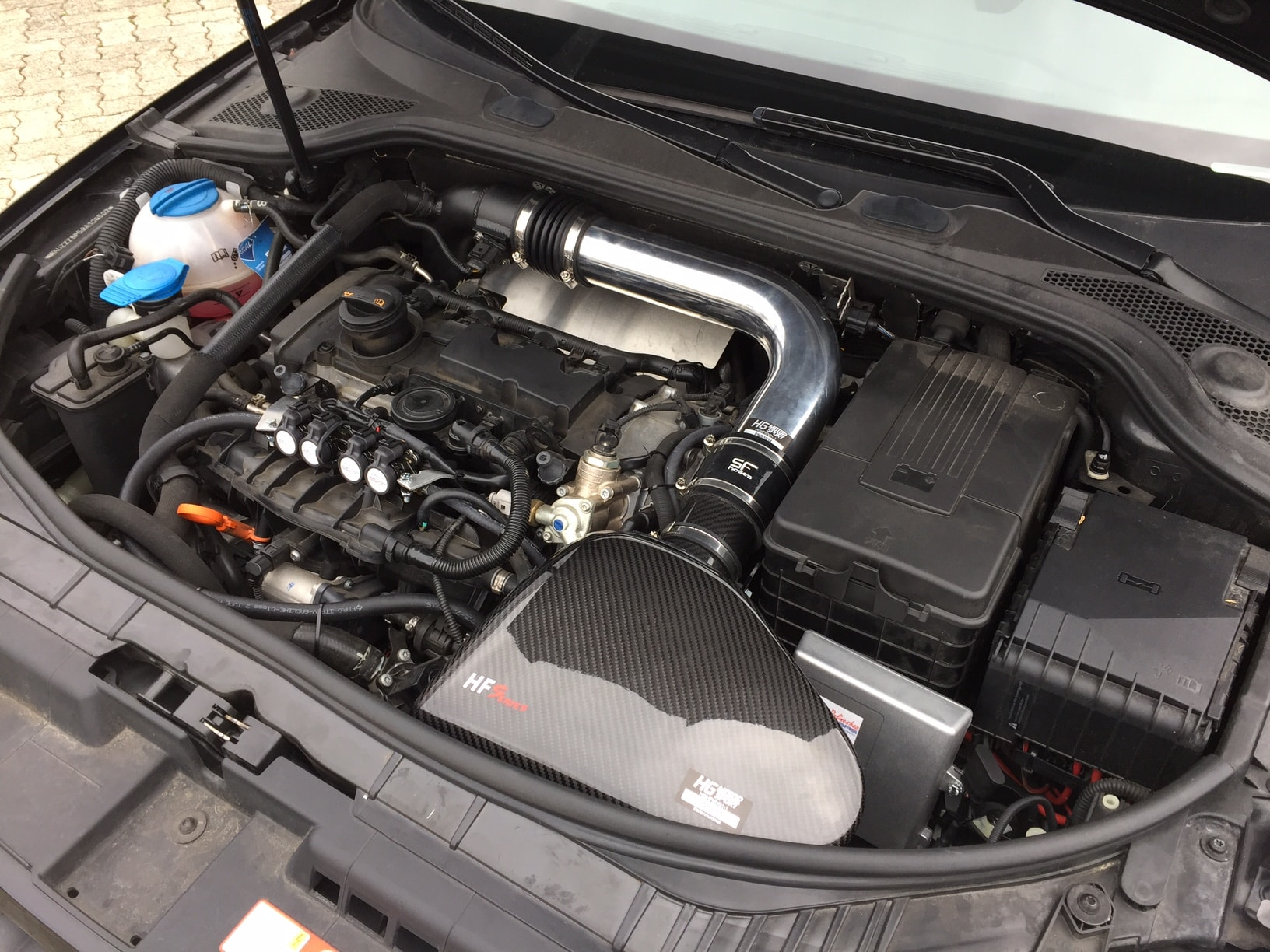 Autogas_R115-Umrüstung-auf-LPG-Autogas_Audi-Q5-2,0TSI-Direkteinspritzer-Motor