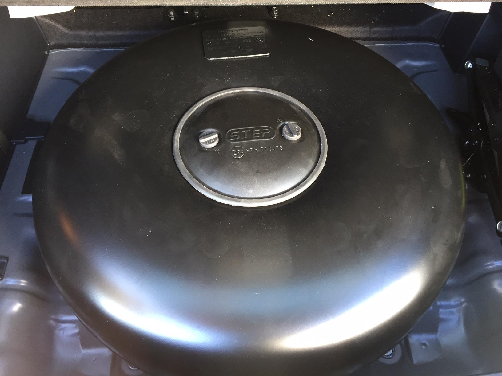 Autogas_R115-Umrüstung-auf-LPG-Autogas_Hyundai-IX35-2,0GDI-Direkteinspritzer-Tank