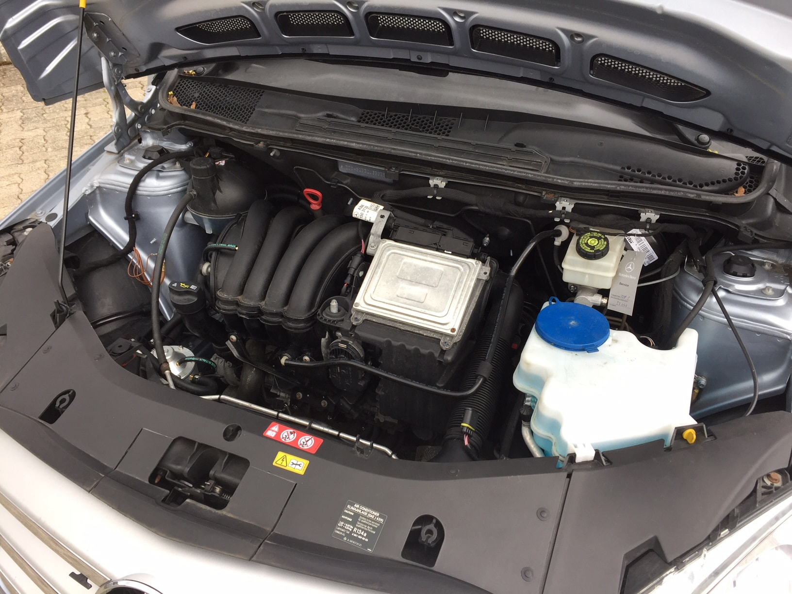 Mercedes B200-Frontgas