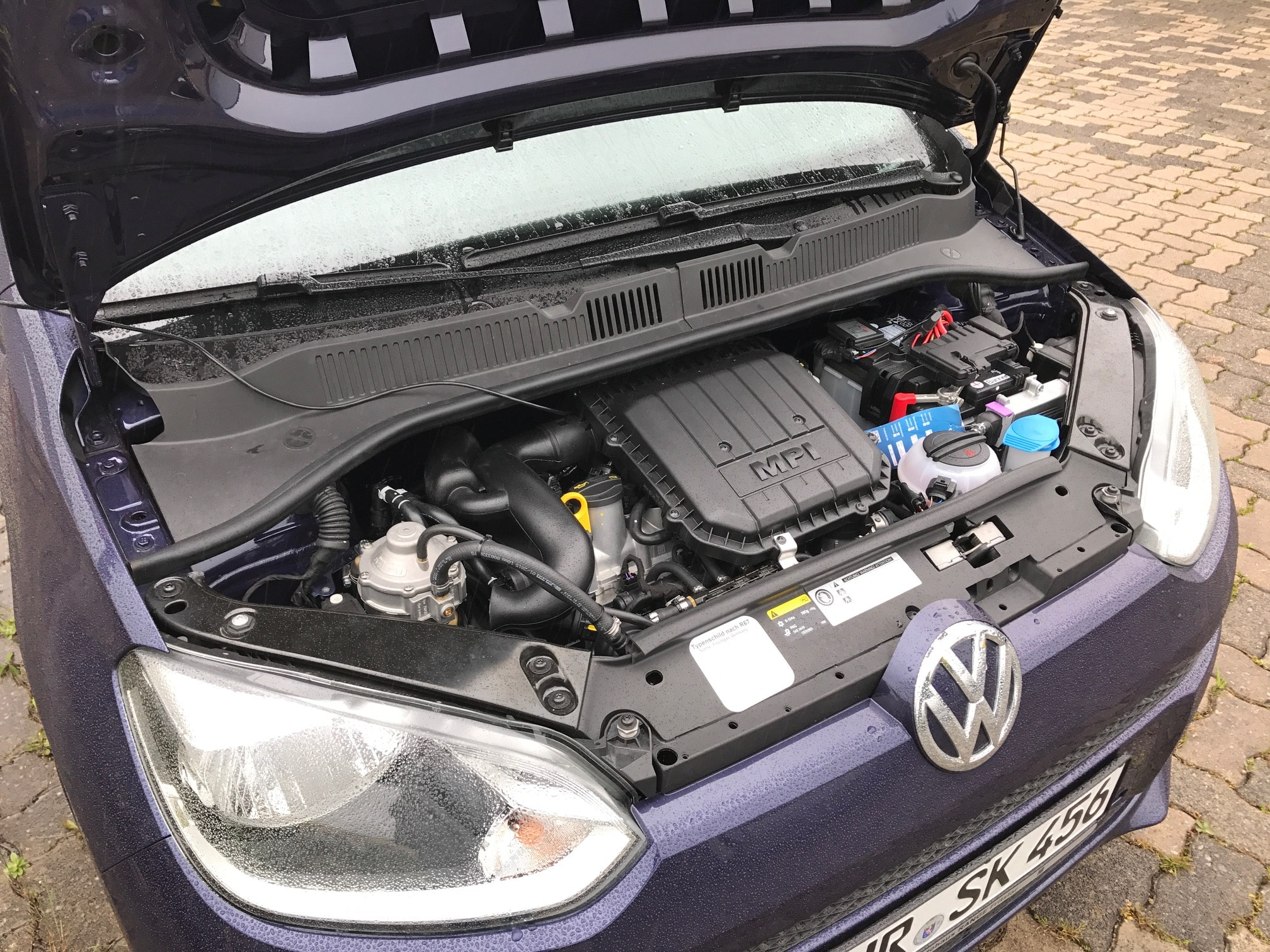 VW-Up-Frontgas-2