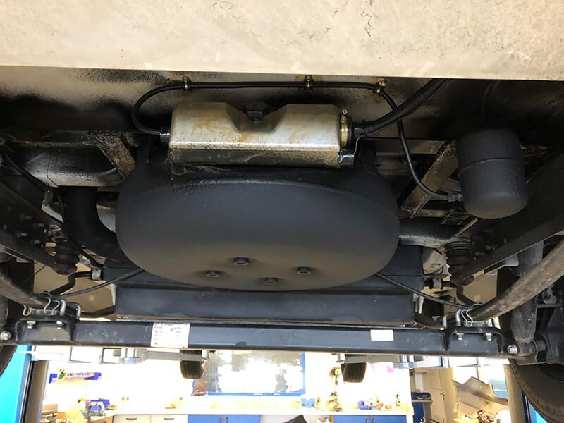 Wohnmobil-Fiat-Ducato-LMC-Comfort-58-Liter-Brenngastank-LPG-Autogas-11